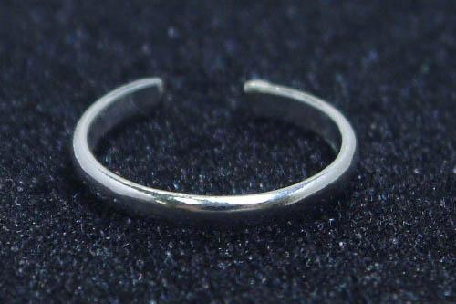 シンプルで細身の足の指輪トーリング再入荷!